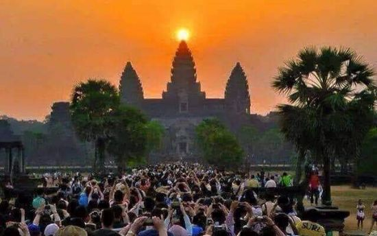 images/blog-image/tour-package/angkor_wat_sunrise.JPG